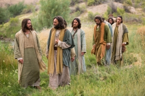 bible-films-christ-walking-disciples-1426507-gallery